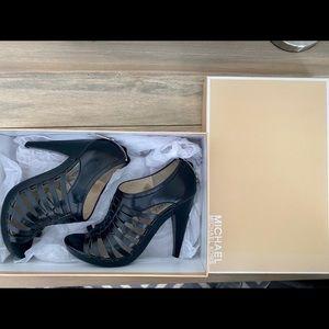 Micheal Kors black leather heels